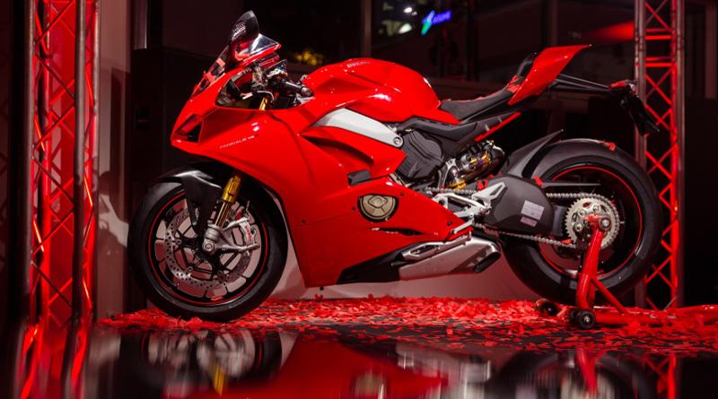 Πρεμιέρα της νέας Panigale V4 στο Season Opening της Ducati.